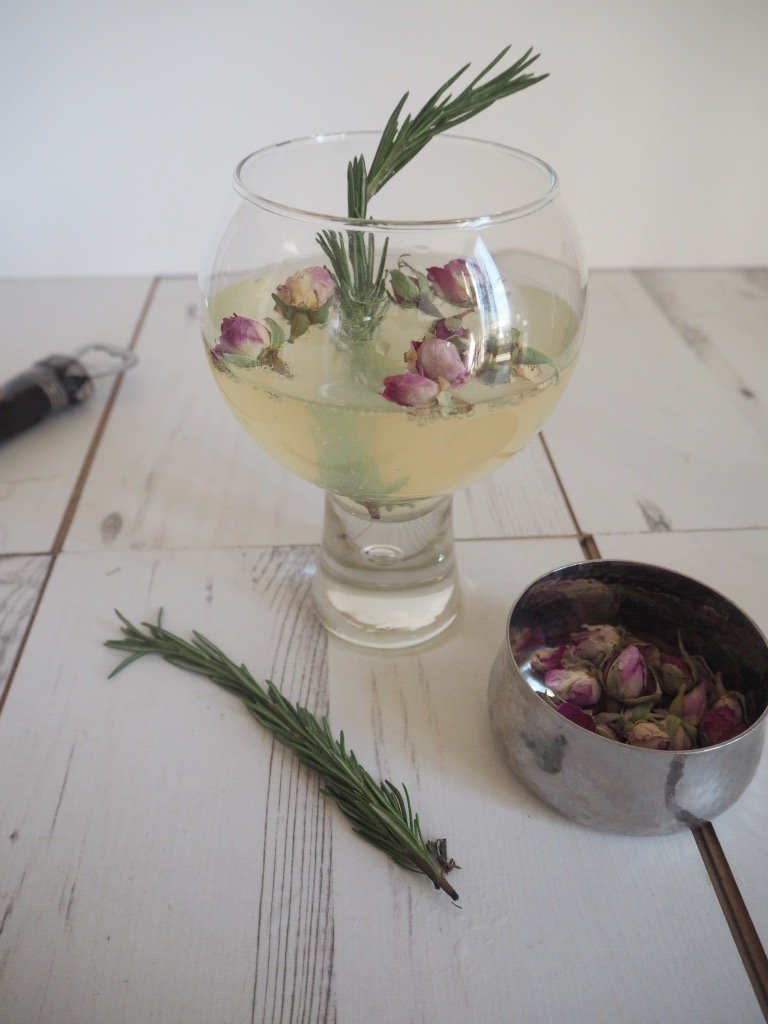 Gin & Lemonade infused with Rosemary and Rose buds