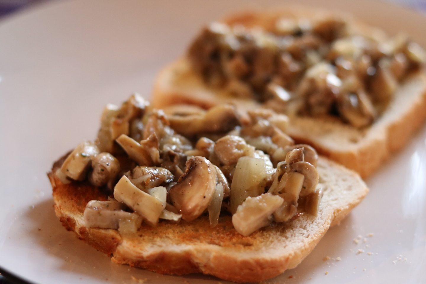 Mushrooms sautéed in Garlic on toast and some tips on relaxing and taking some time off.