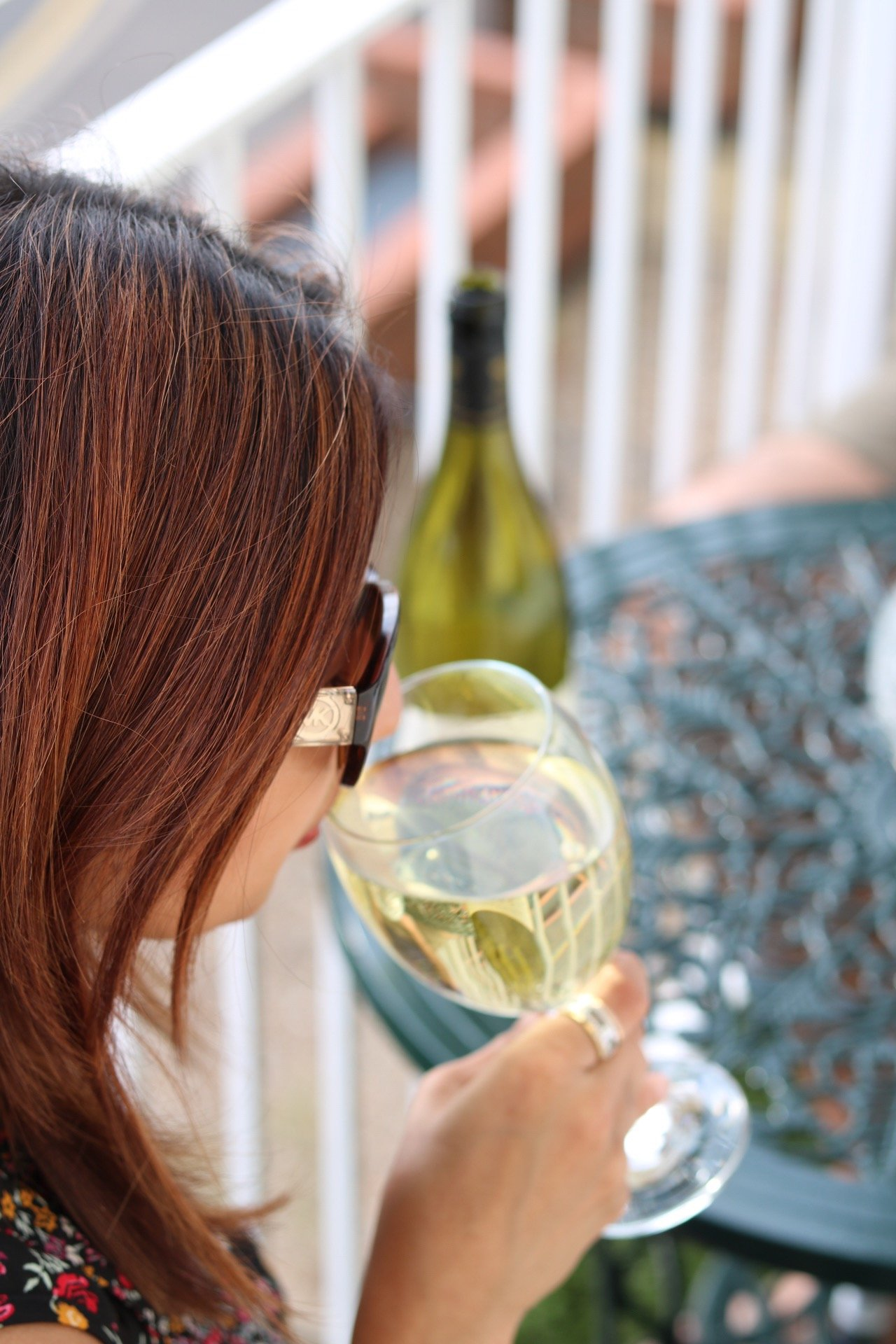 A perfect wine for catch ups with friends and 5 tips for living a happier life