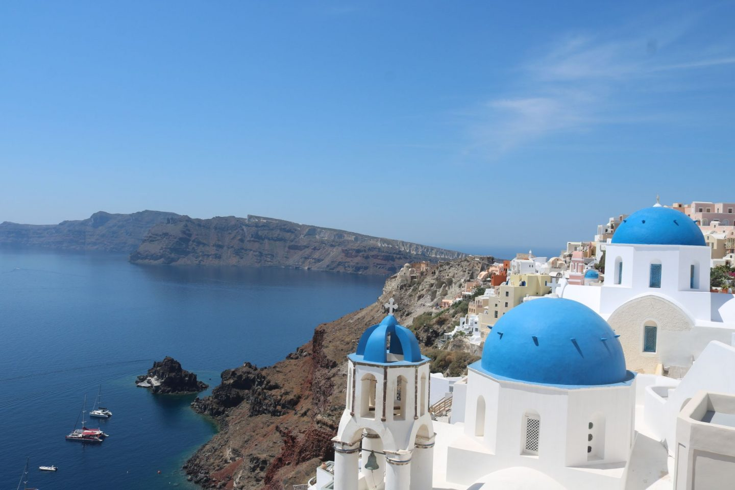 5 reasons to visit Santorini this year