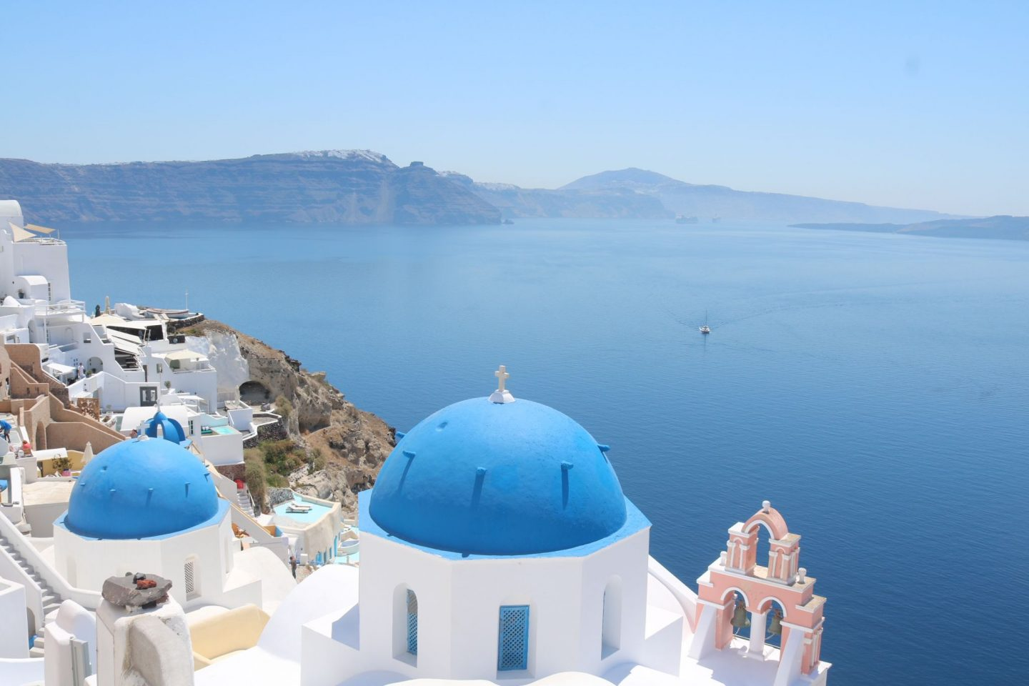 Travel Guide: Santorini, Greece